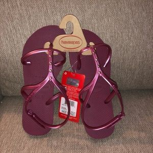NWT Havaianas Sandals